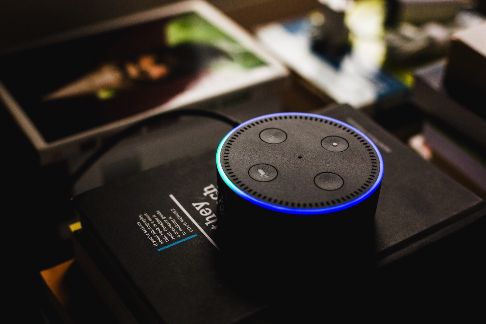 Andres urena 470137 unsplash amazon echo