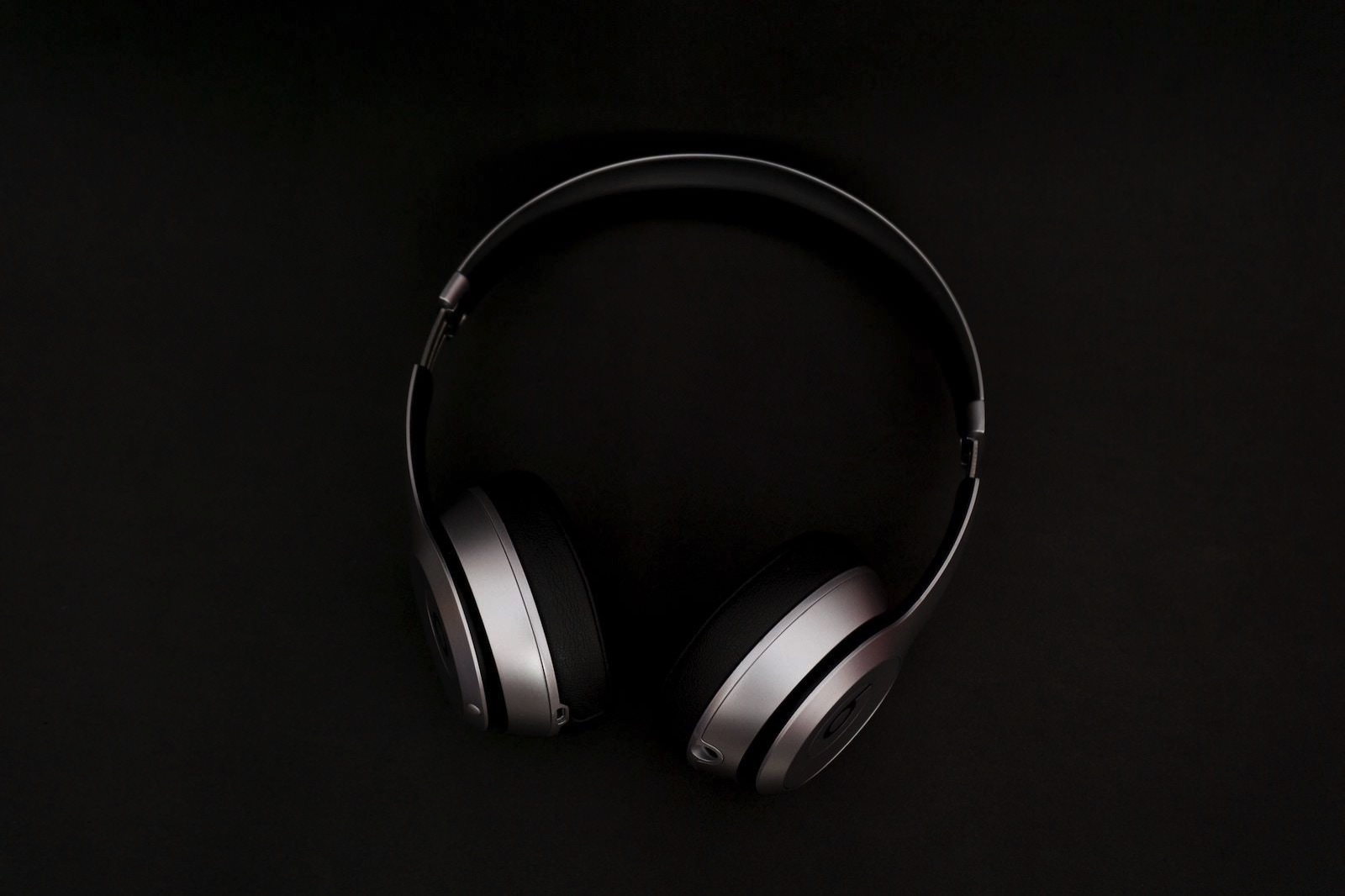 Frank septillion 208829 unsplash headphones beats