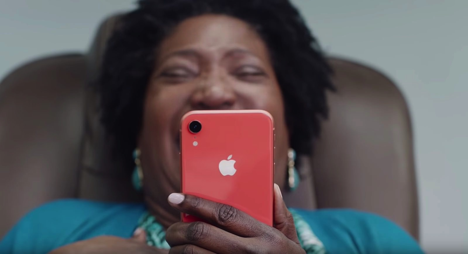Laughing Lady iPhone XR