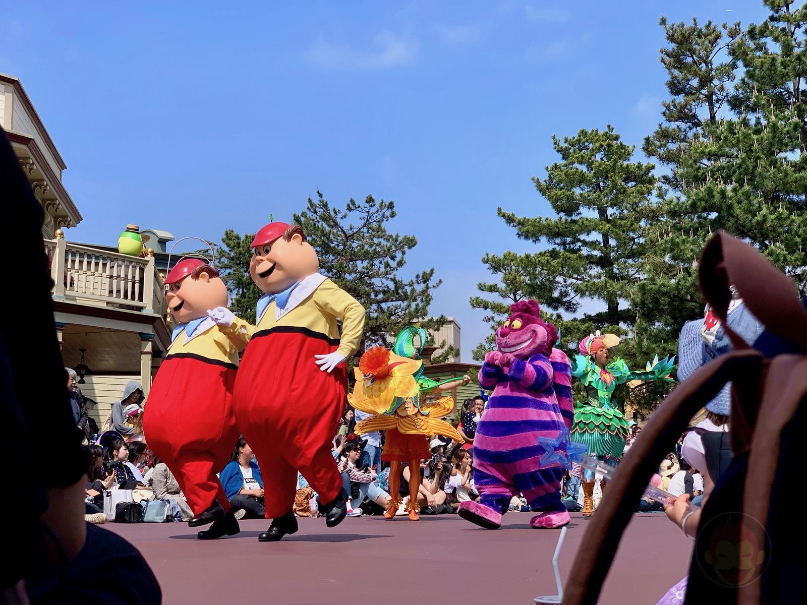 Tokyo-Disney-Land-with-2yr-old-daughter-06.jpg
