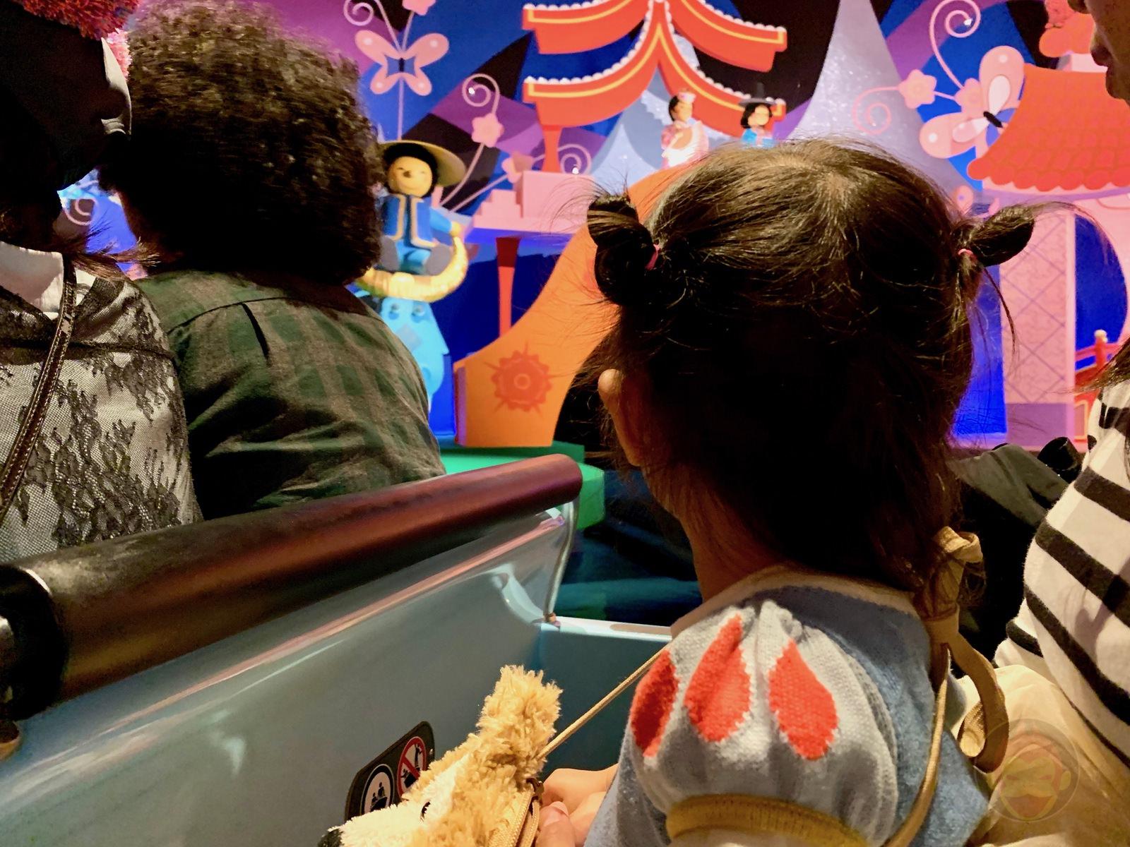 Tokyo-Disney-Land-with-2yr-old-daughter-09.jpg