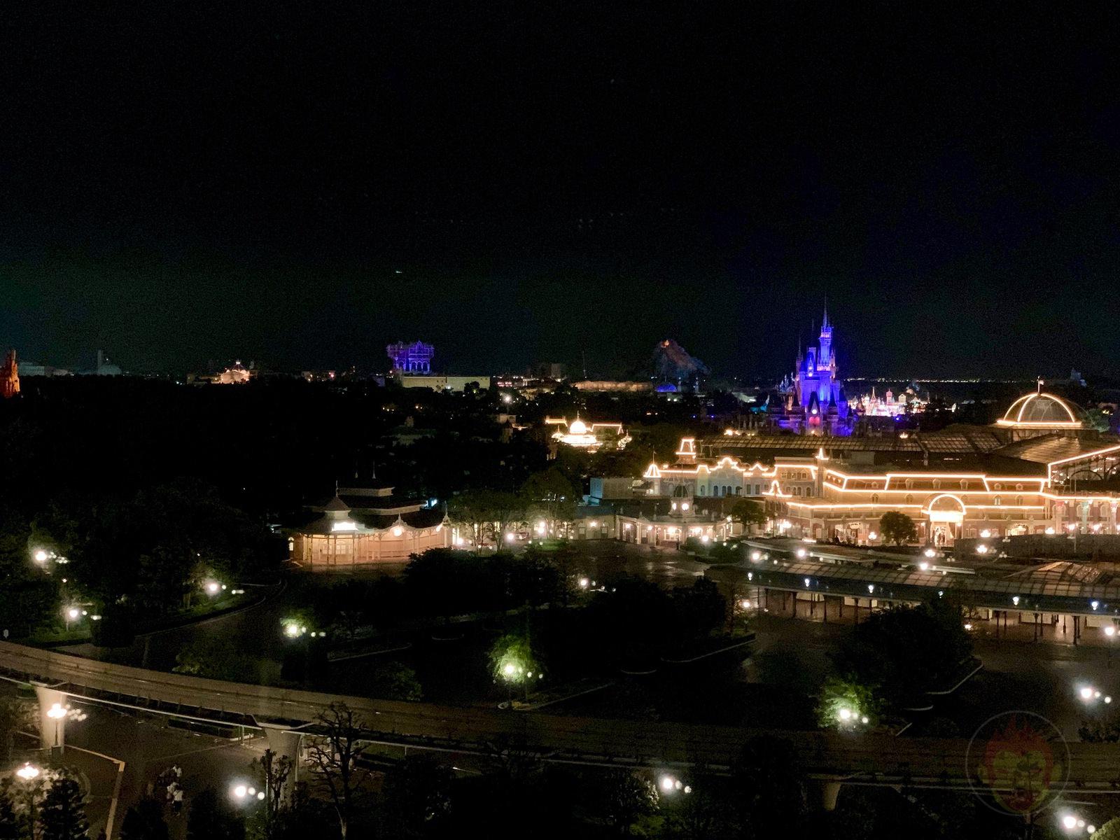 Tokyo-Disney-Land-with-2yr-old-daughter-27.jpg