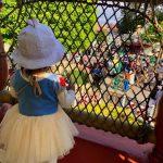 Tokyo-Disney-Land-with-2yr-old-daughter-toon-town-02.jpg
