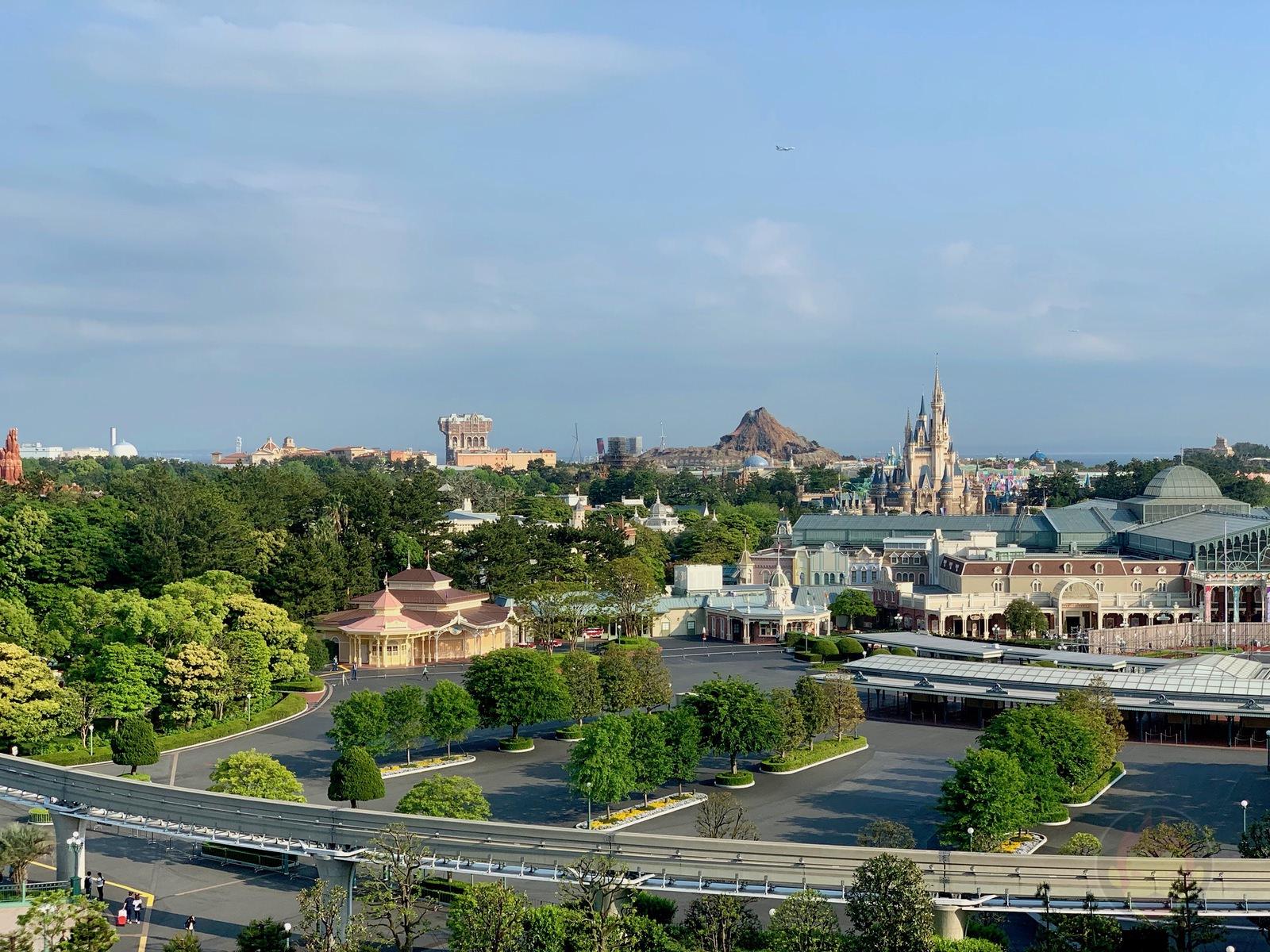 Tokyo-Disneyland-Hotel-scenery-01.jpg