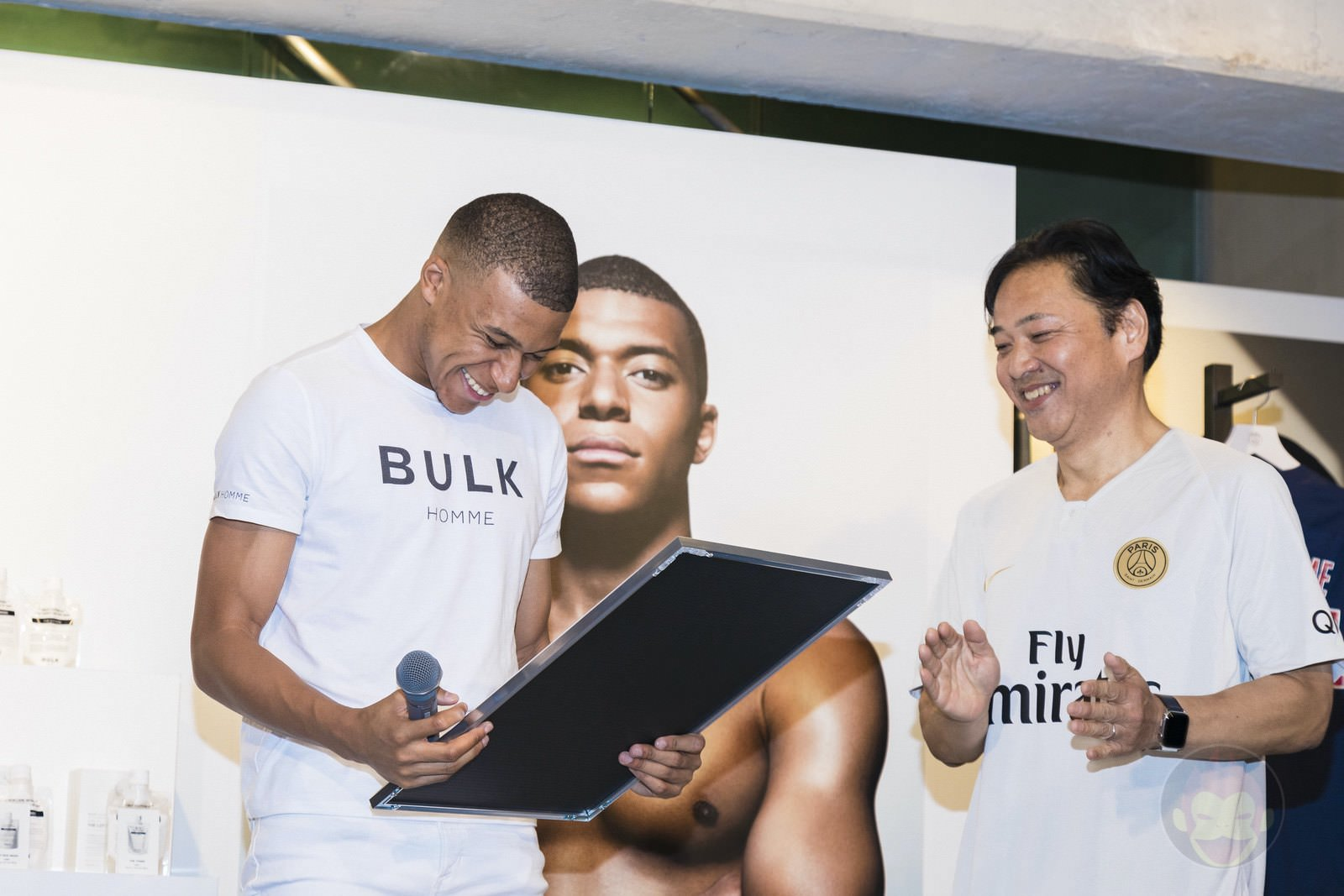 Kylian Mbappé Goes to PSJ Tokyo Store 02