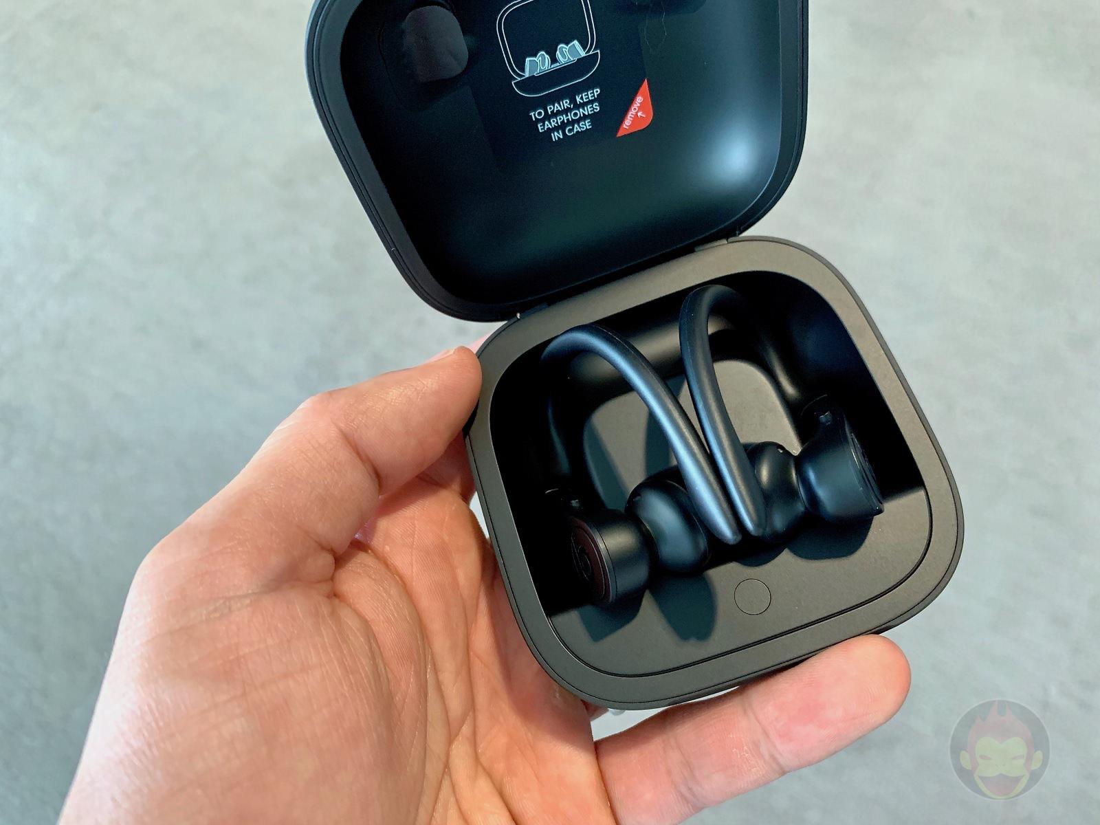 Beats-Powerbeats-pro-full-wireless-earphones-handson-04.jpg