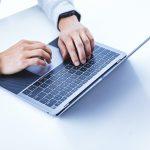 Using-MacBook-Air-01.jpg
