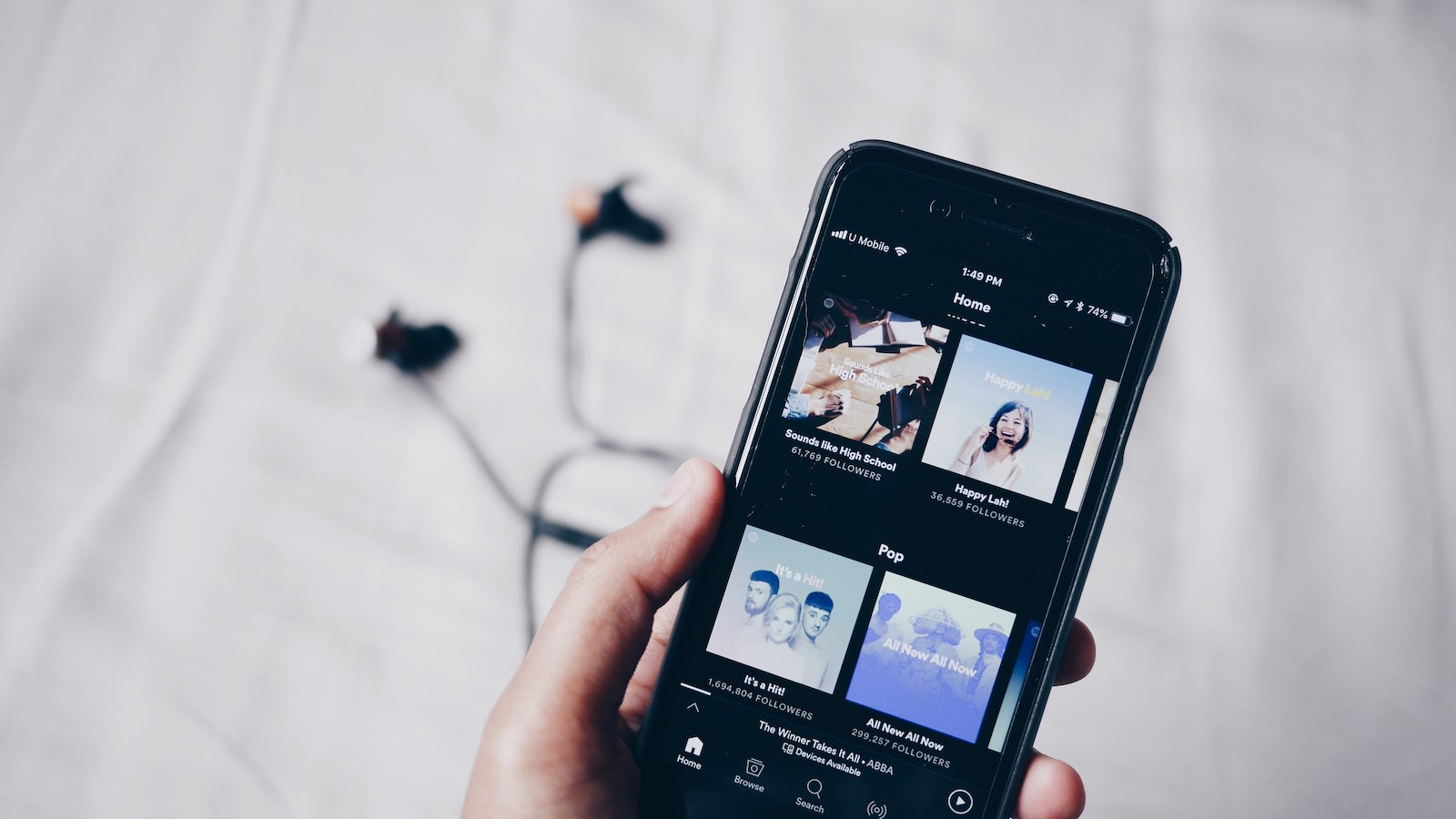 Fimpli 678055 unsplash spotify on iphone