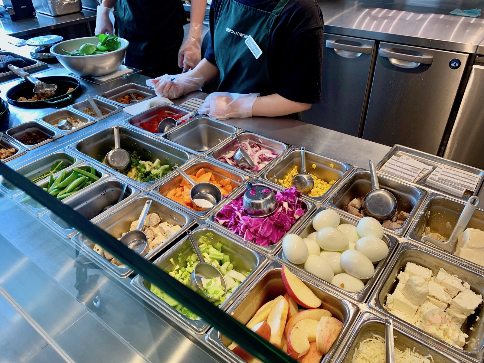 Crisp Salad Works Komazawa 02