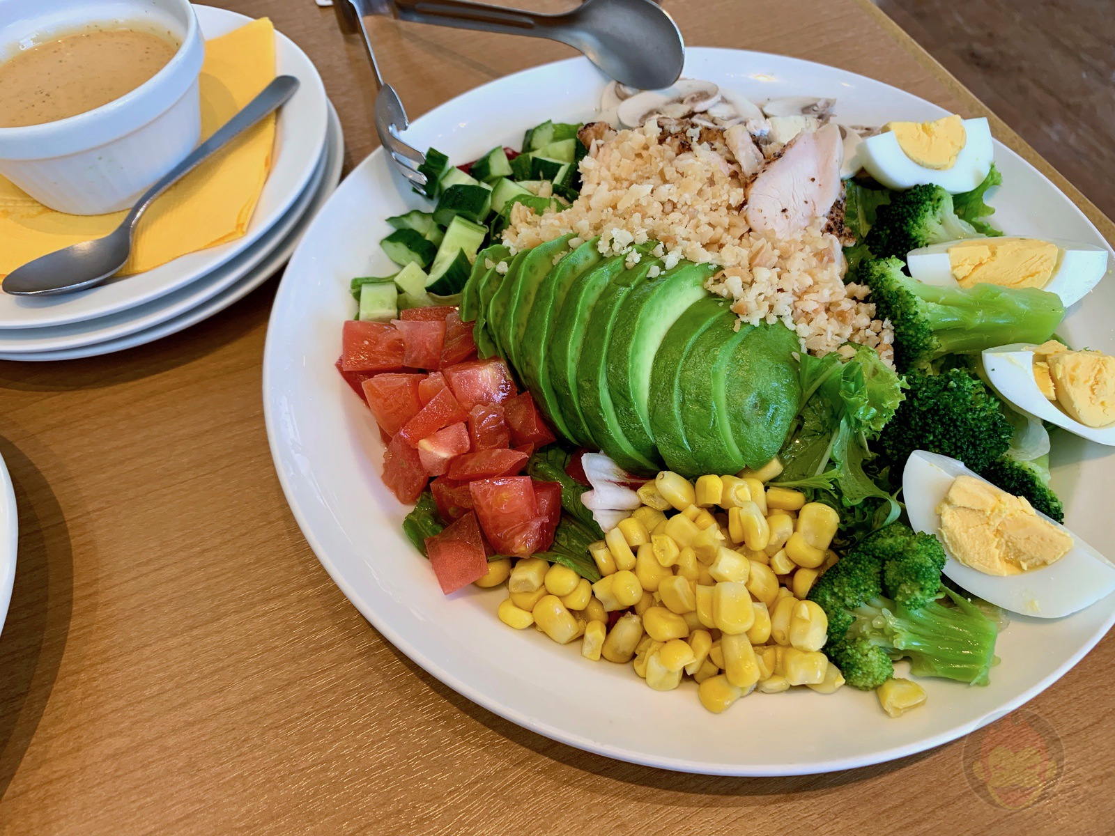Eggs n Things Crape and Cobb Salad Ahipoki 20