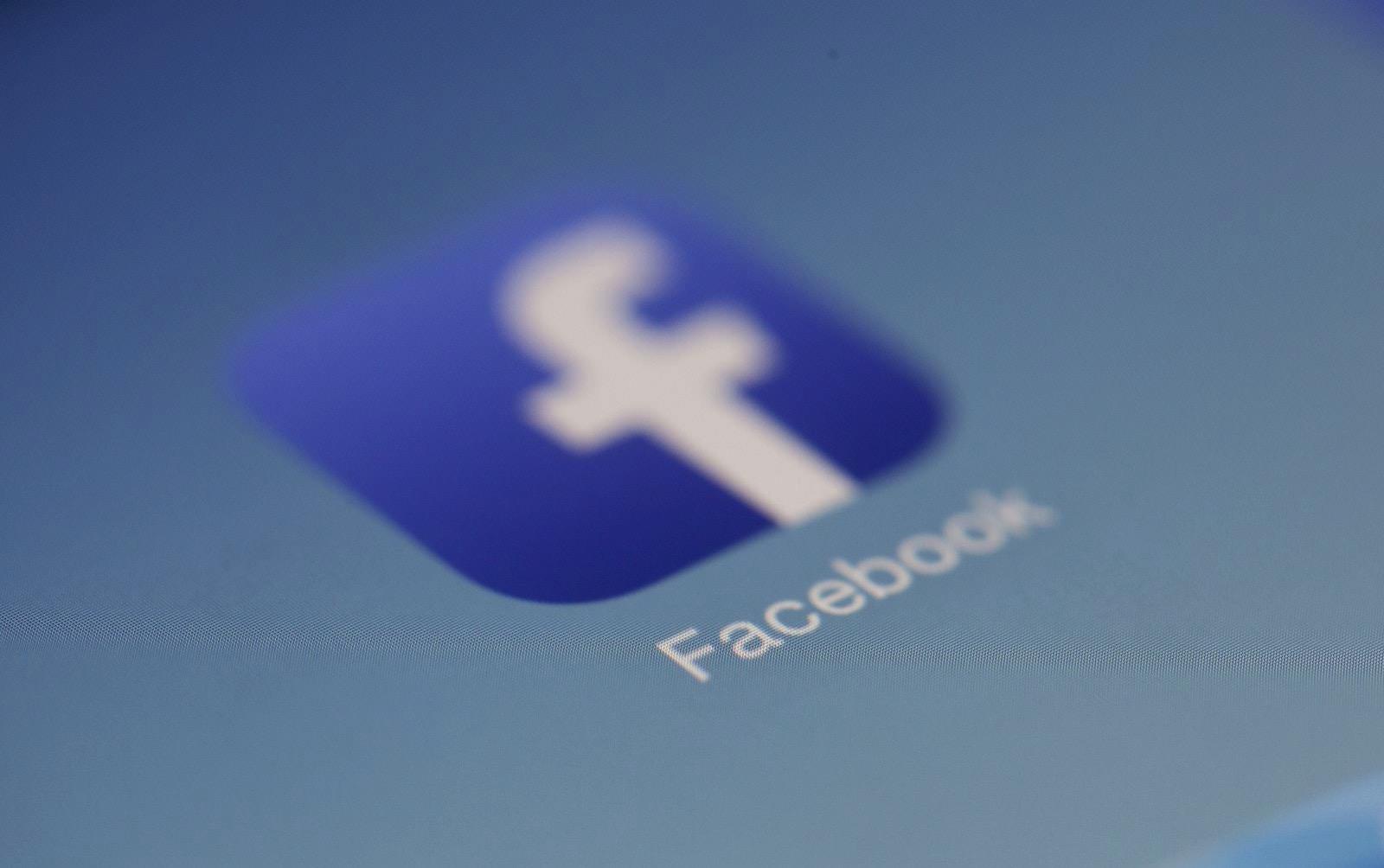 access-blur-close-up-267399-facebook-logo.jpg