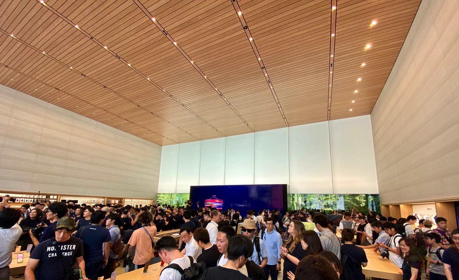 Apple Fukuoka Renewal Open 04
