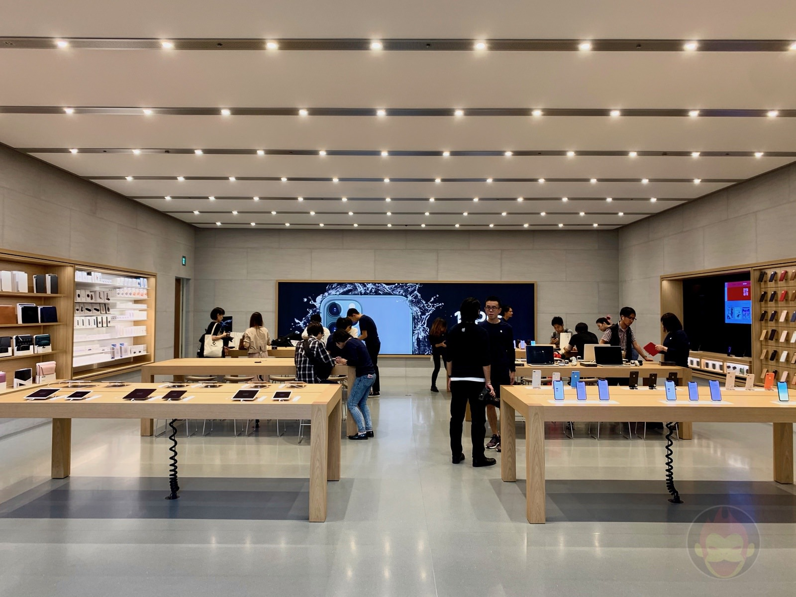 Apple Omotesando Video Wall Renewall 21
