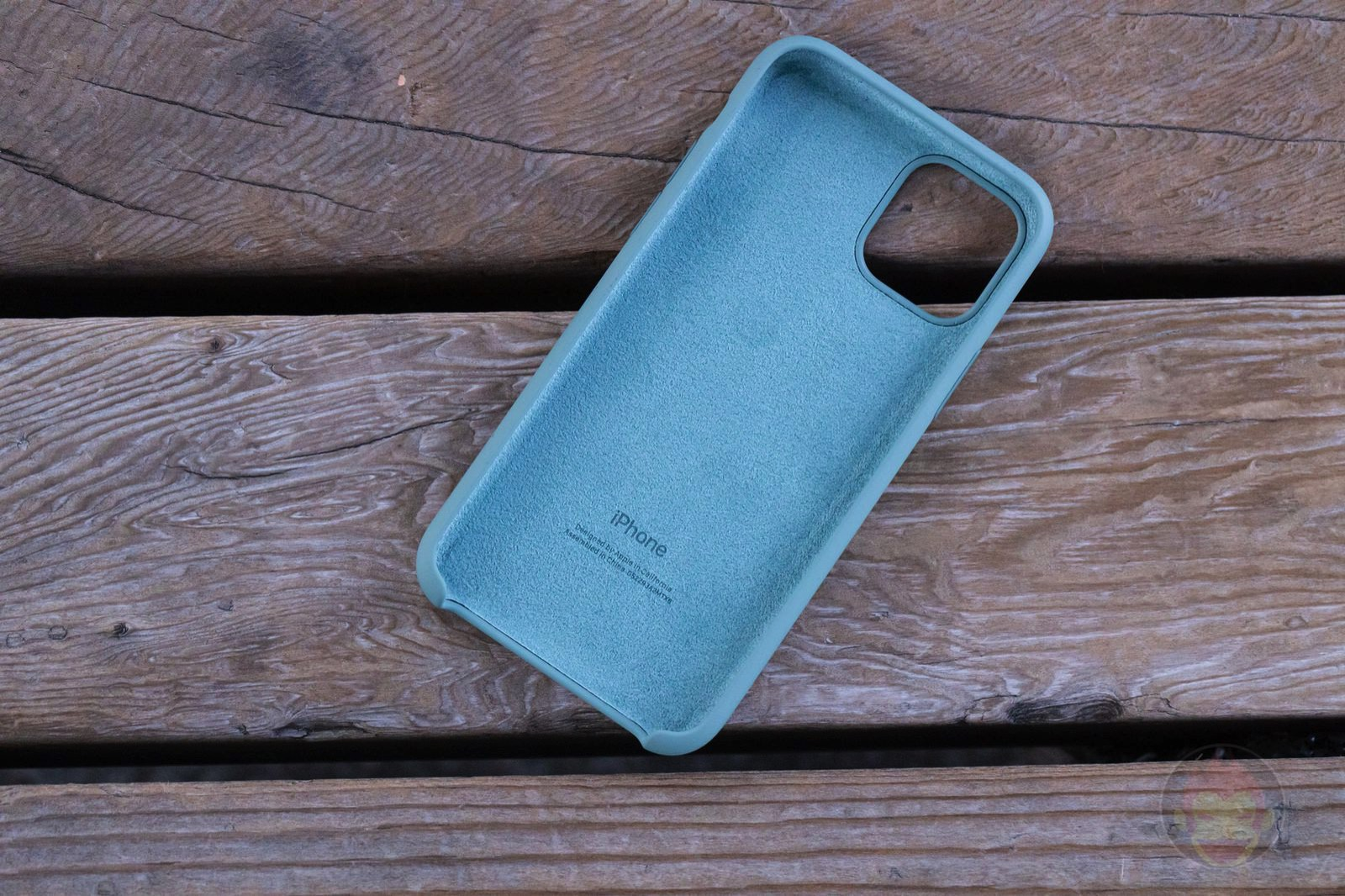 Apple Silicone Case for iPhone11Pro Review 02