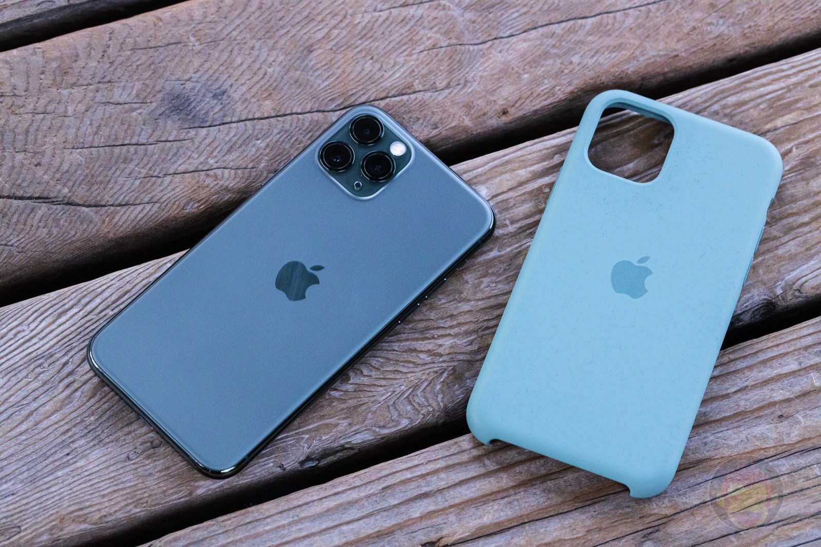 Apple Silicone Case for iPhone11Pro Review 04
