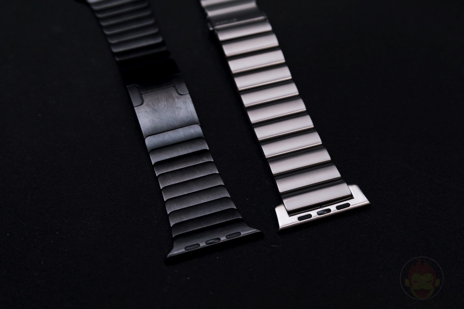 Apple-Watch-Nomad-Titanium-Band-Review-08.jpg