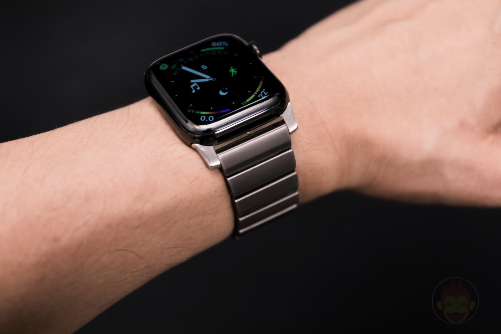Apple-Watch-Nomad-Titanium-Band-Review-32.jpg