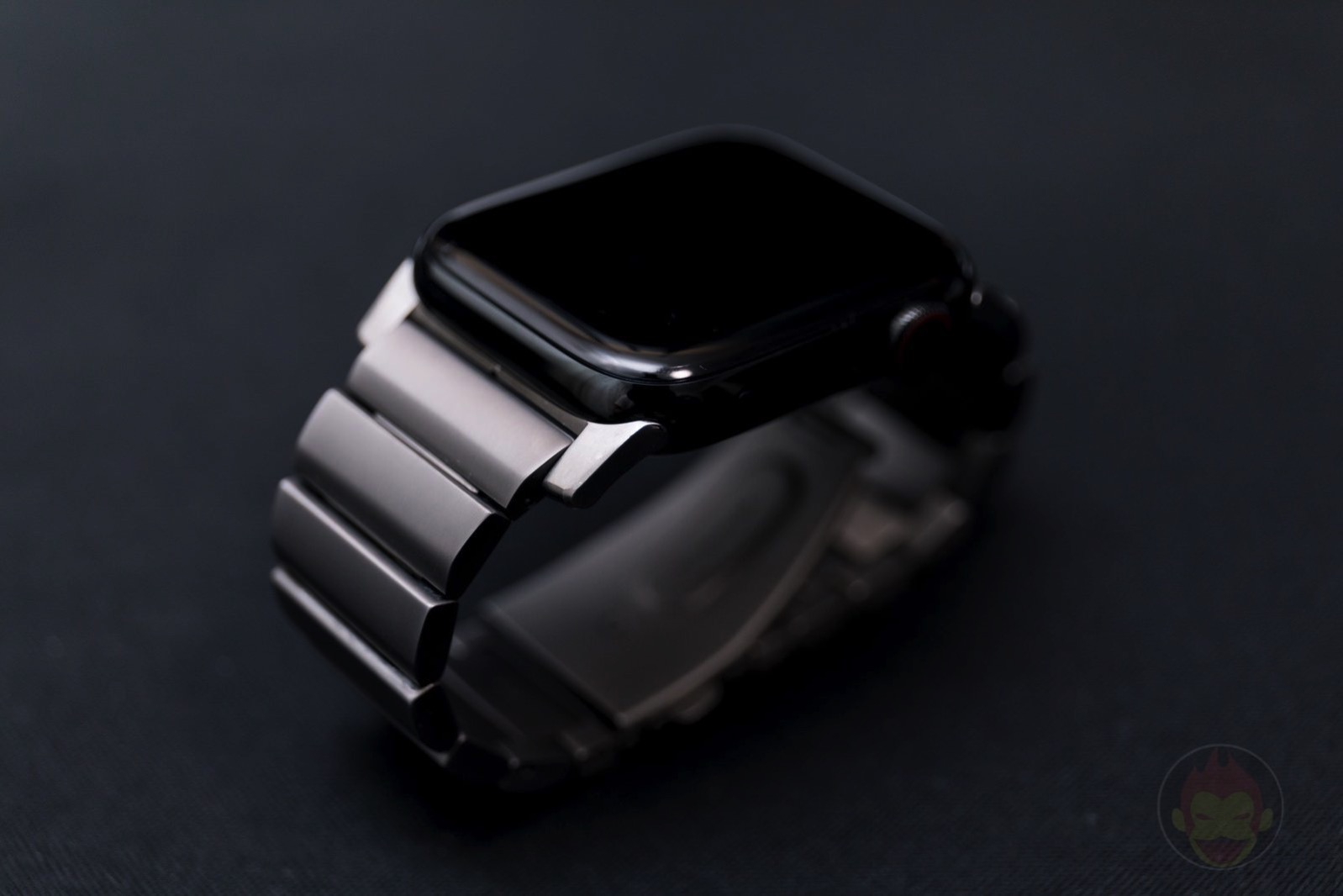 Apple-Watch-Nomad-Titanium-Band-Review-51.jpg