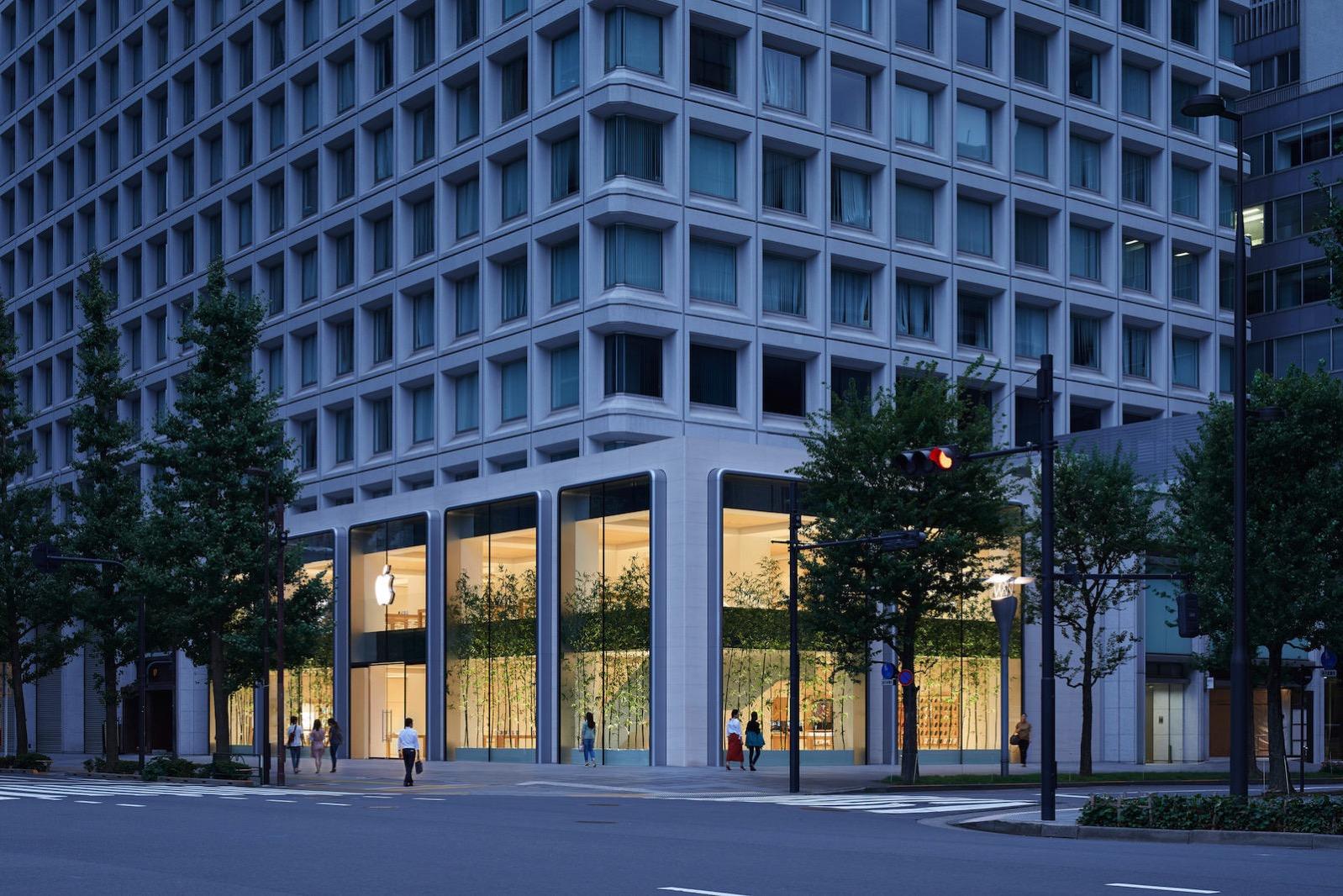 Apple-largest-store-in-Japan-opens-saturday-in-Tokyo-090419.jpg