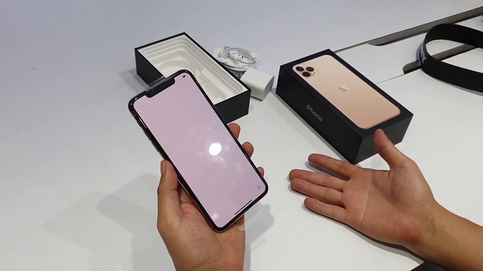 iphone-11-pro-max-unboxing.jpg