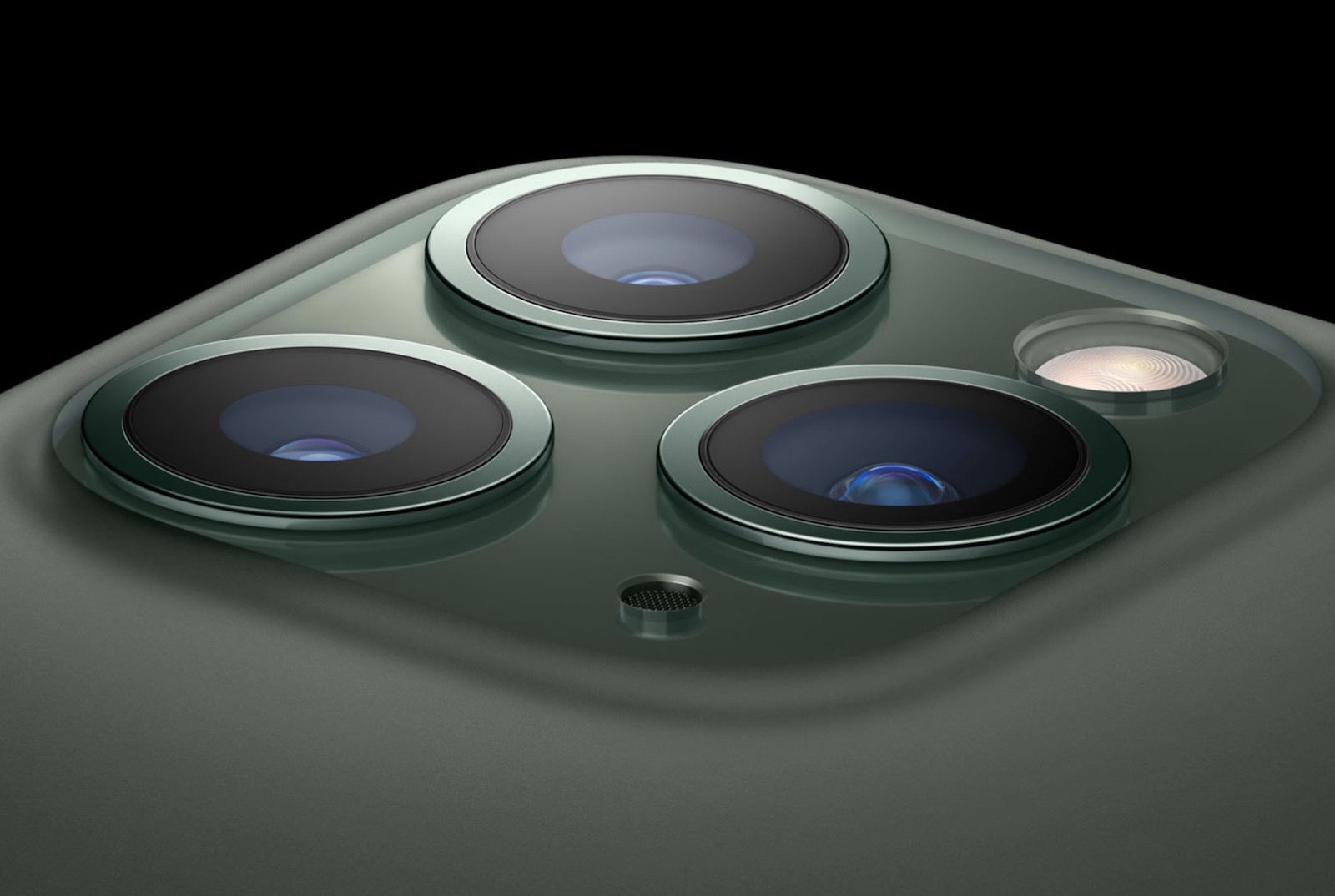 Iphone 11 pro triple lens camera