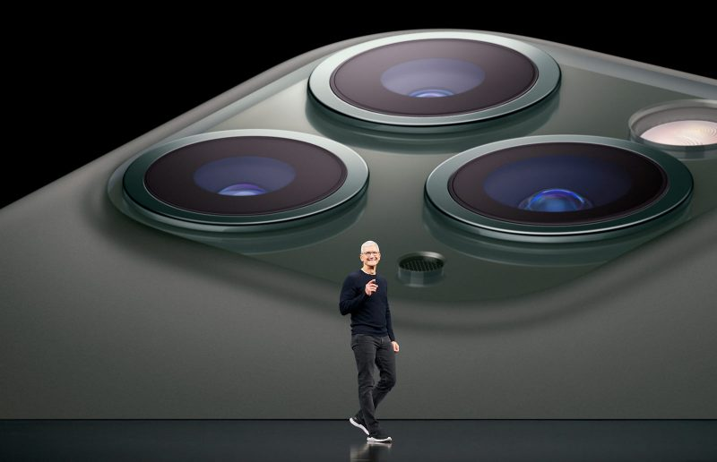 Apple Tim Cook iPhone 11 Pro