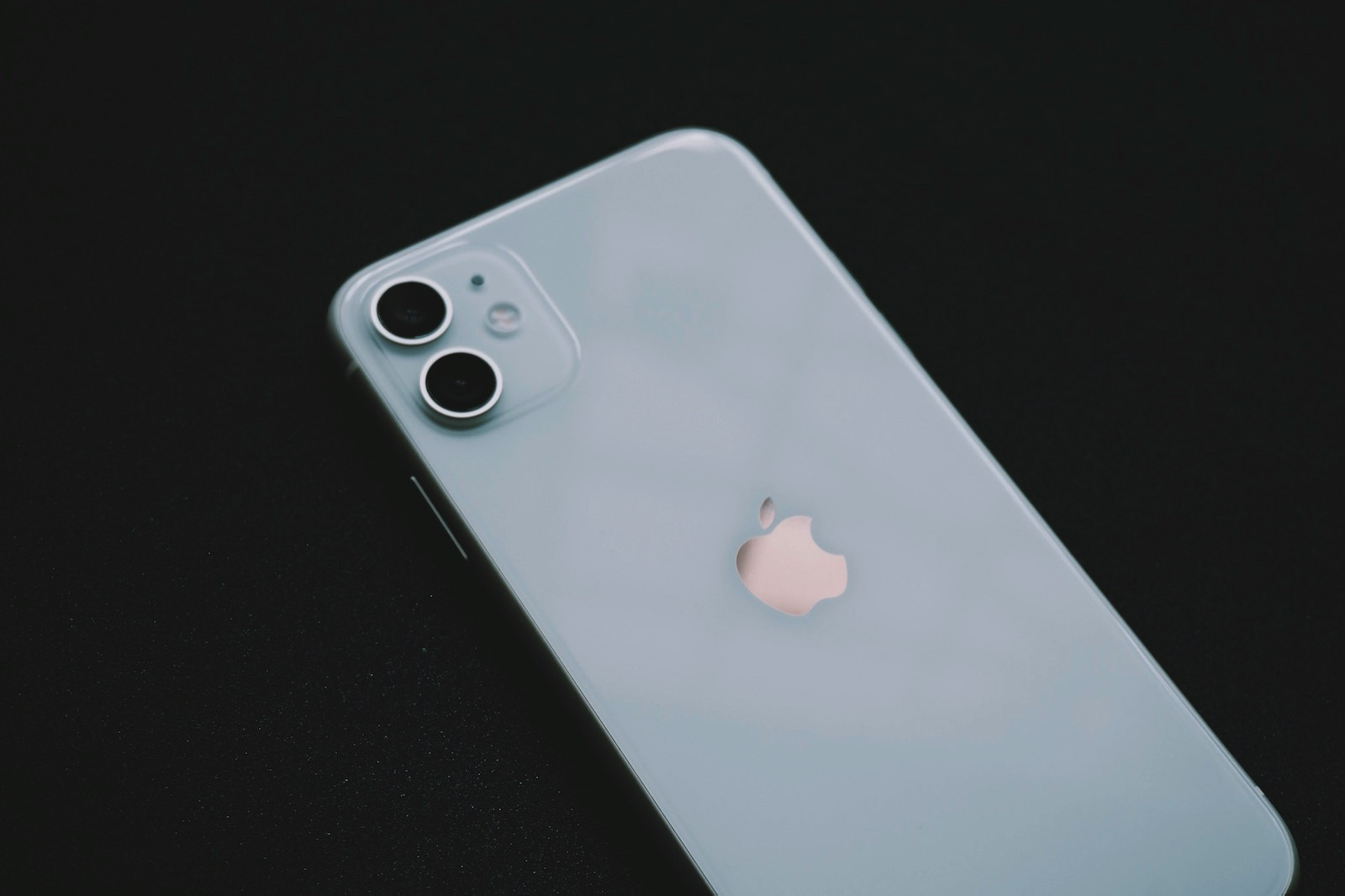 Mark chan BD3cWCkVTs unsplash iphone11