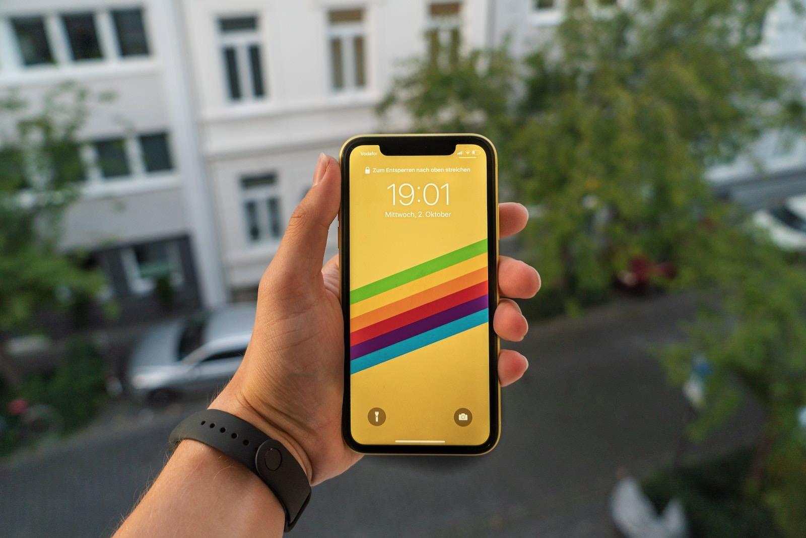 Mika baumeister wAfS5uEi3OA unsplash iphone 11 yellow