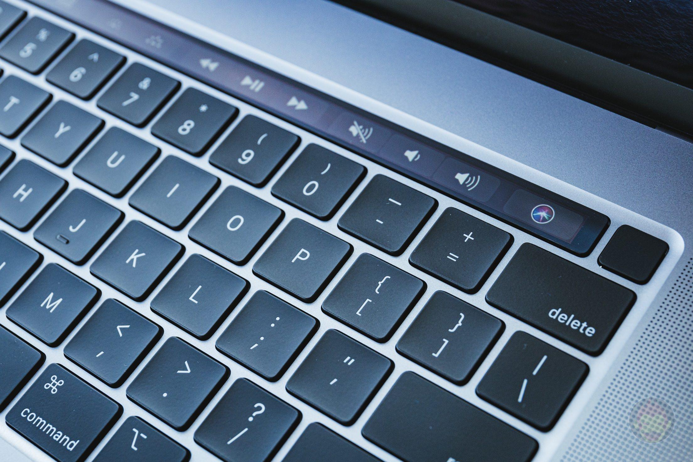MacBook-Pro-2019-16inch-Review-BlueBackground-09.jpg