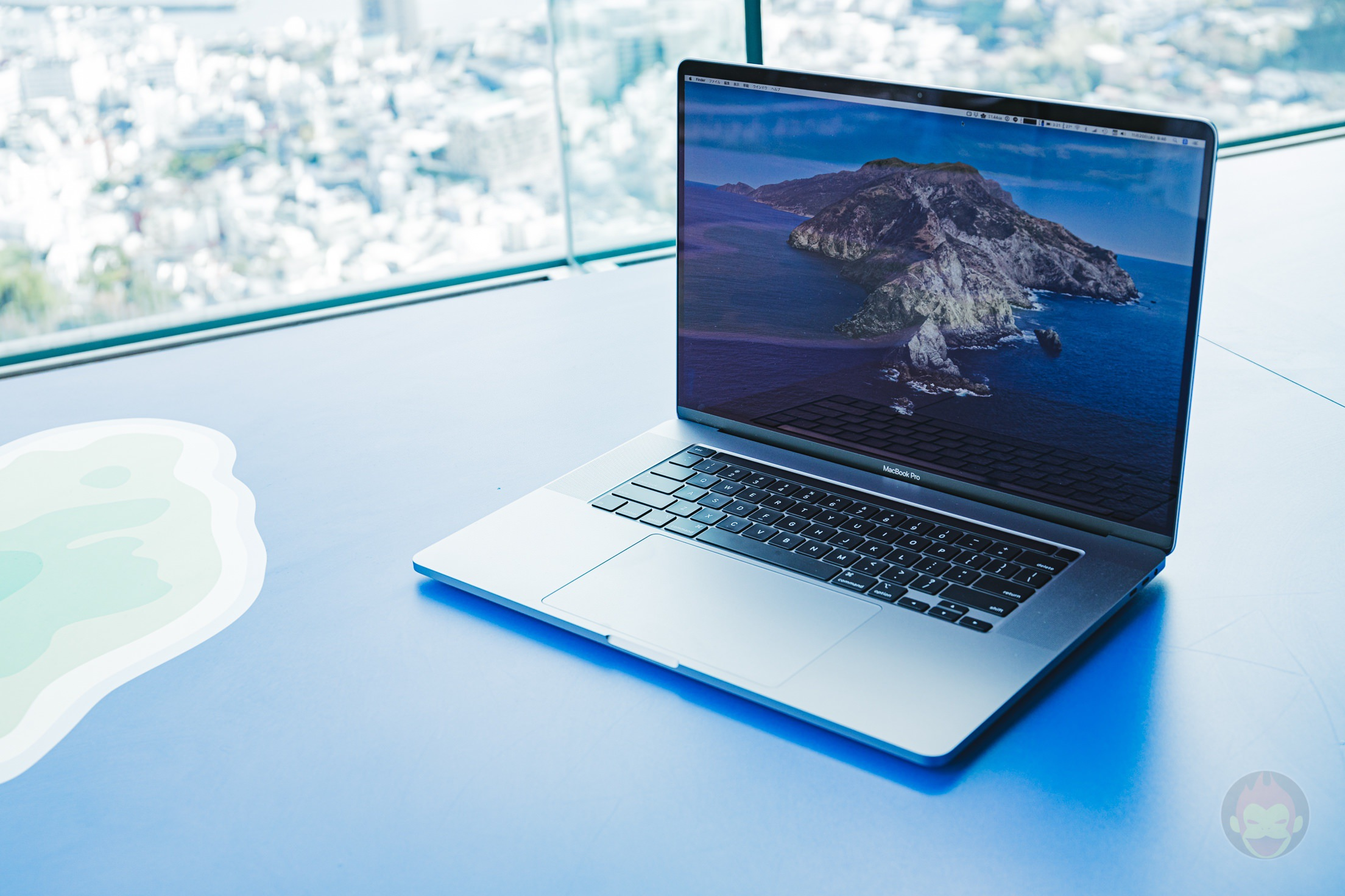 MacBook-Pro-2019-16inch-Review-BlueBackground-13.jpg