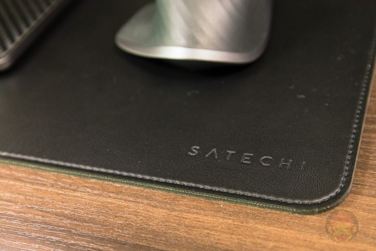 Satechi eco leather deskmate deskmat review 01