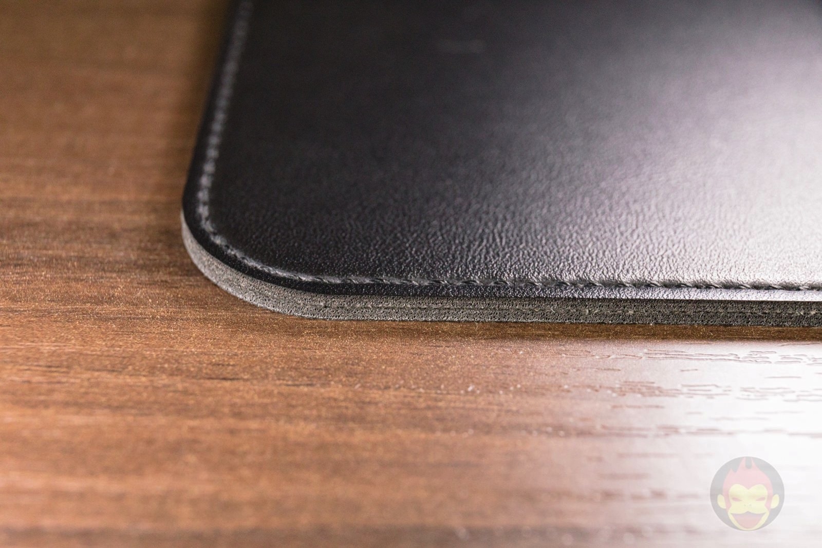 Satechi eco leather deskmate deskmat review 03