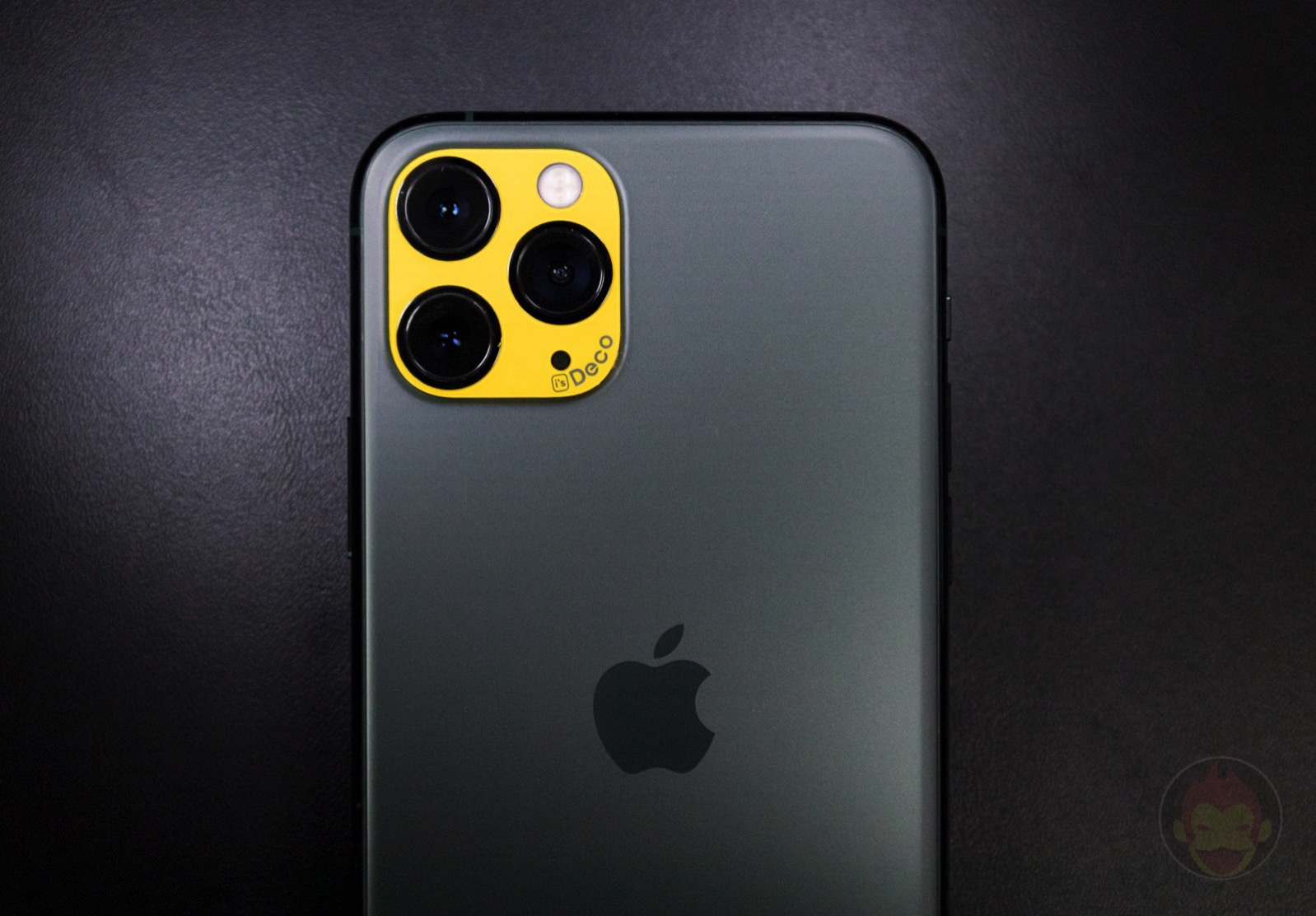 IsDeco iPhone11 Camera Sticker Review 09