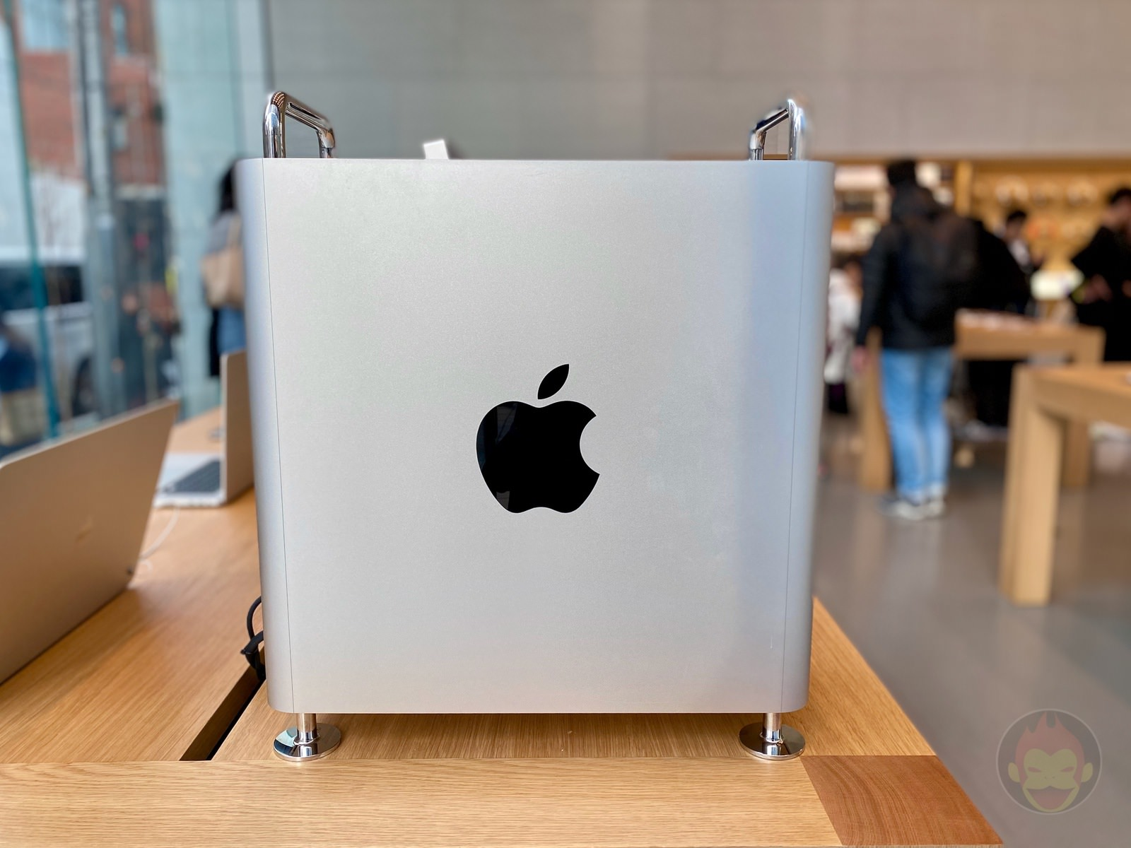 Mac Pro Pro Display XDR Apple Omotesando 11