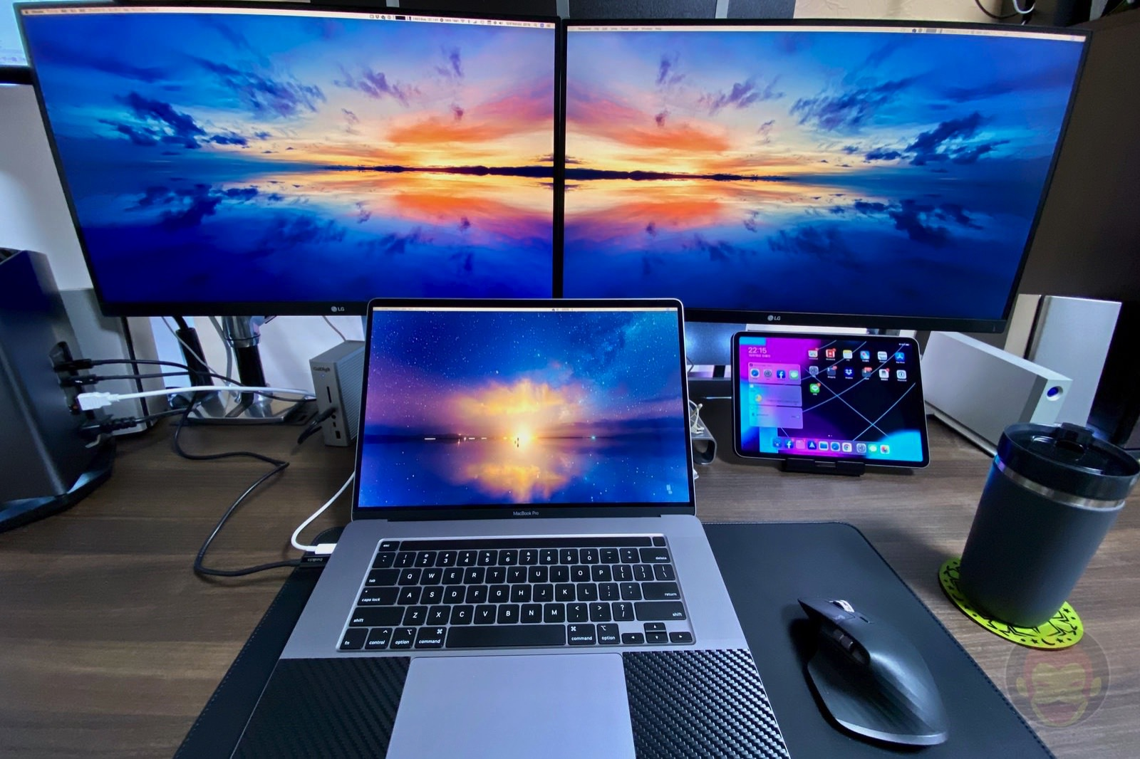 My Desktop after buying mbp2019 16inch 03