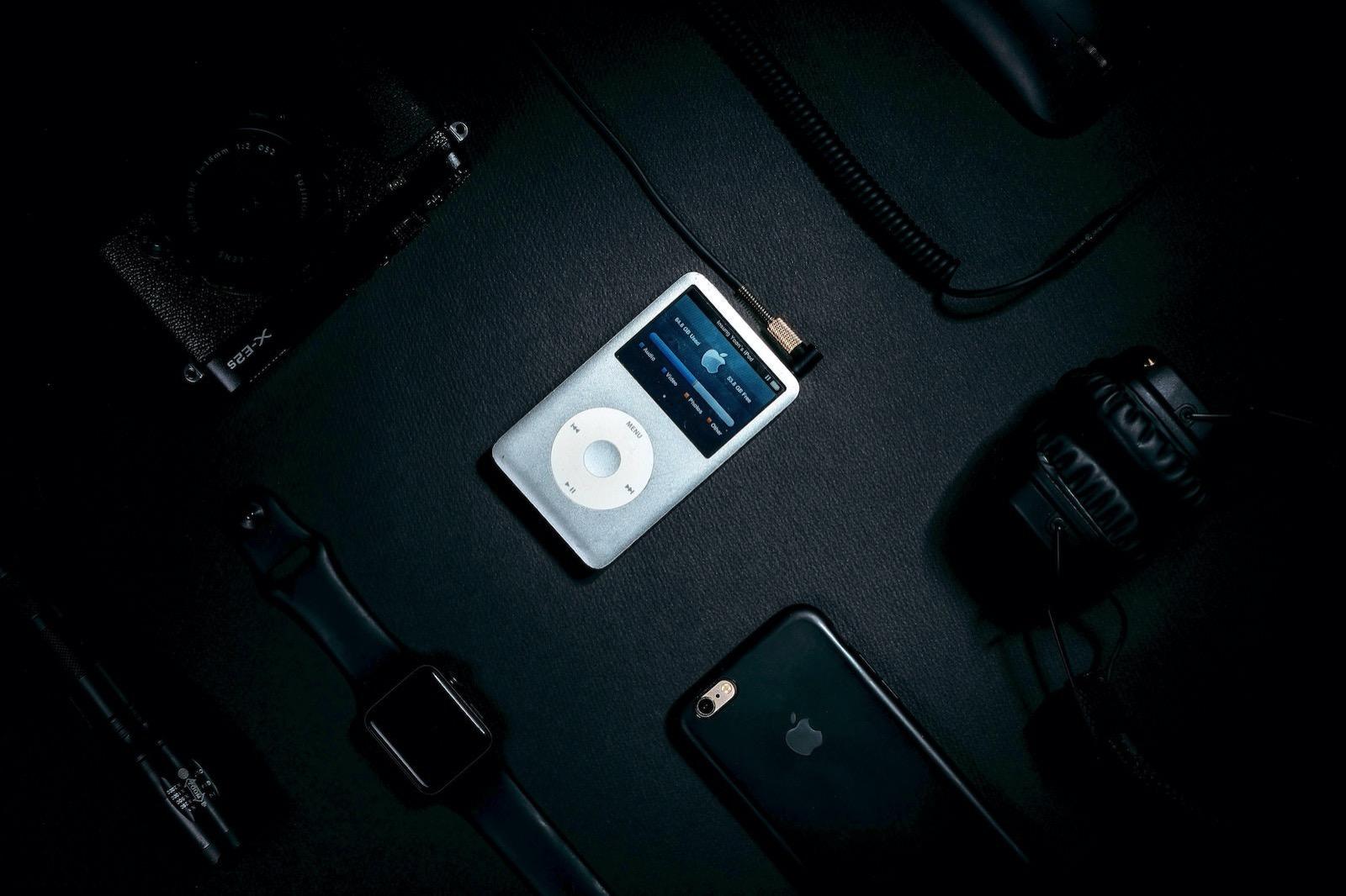 Insung yoon 2uGNgqKIvNo unsplash ipods