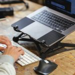 Using-Magic-Keyboard-and-stand-with-16inch-14.jpg