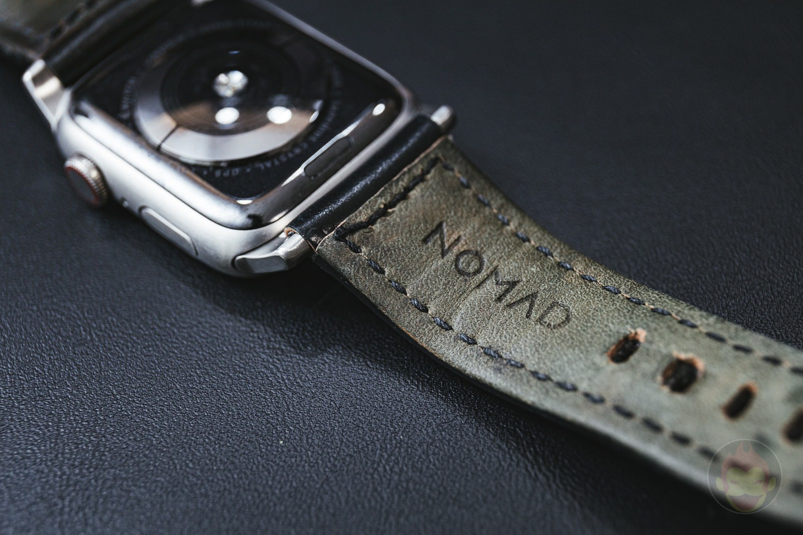 Apple Watch NOMAD Shell Cordovan Strap Review 02