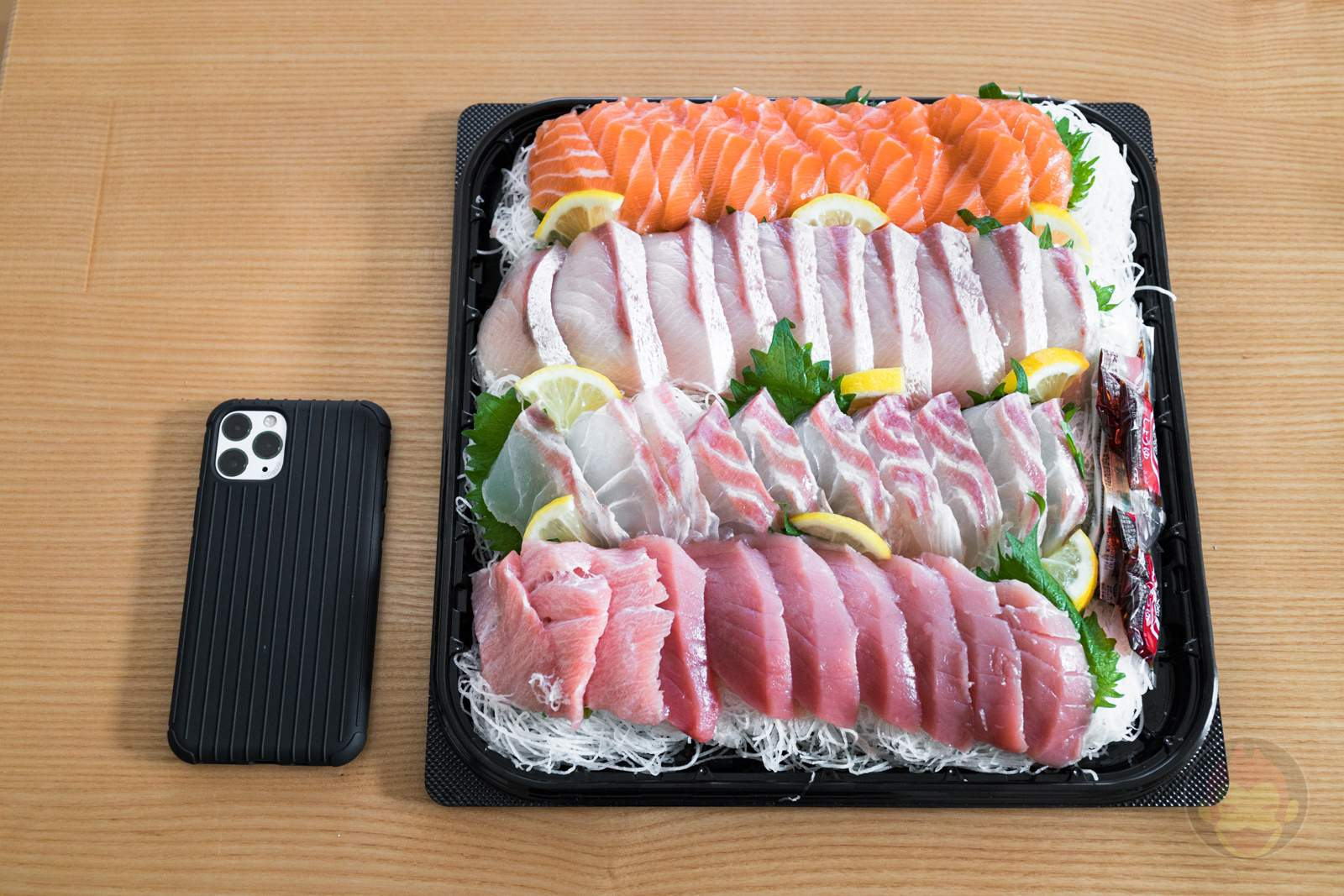 Costco-Sashimi-Moriawase-02.jpg