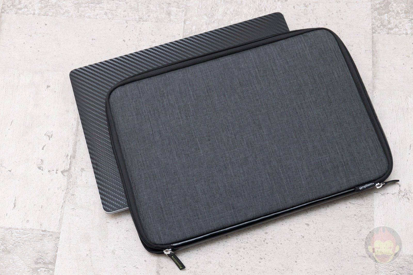 Simplism-BookZip-Case-for-MBP16-review-04.jpg