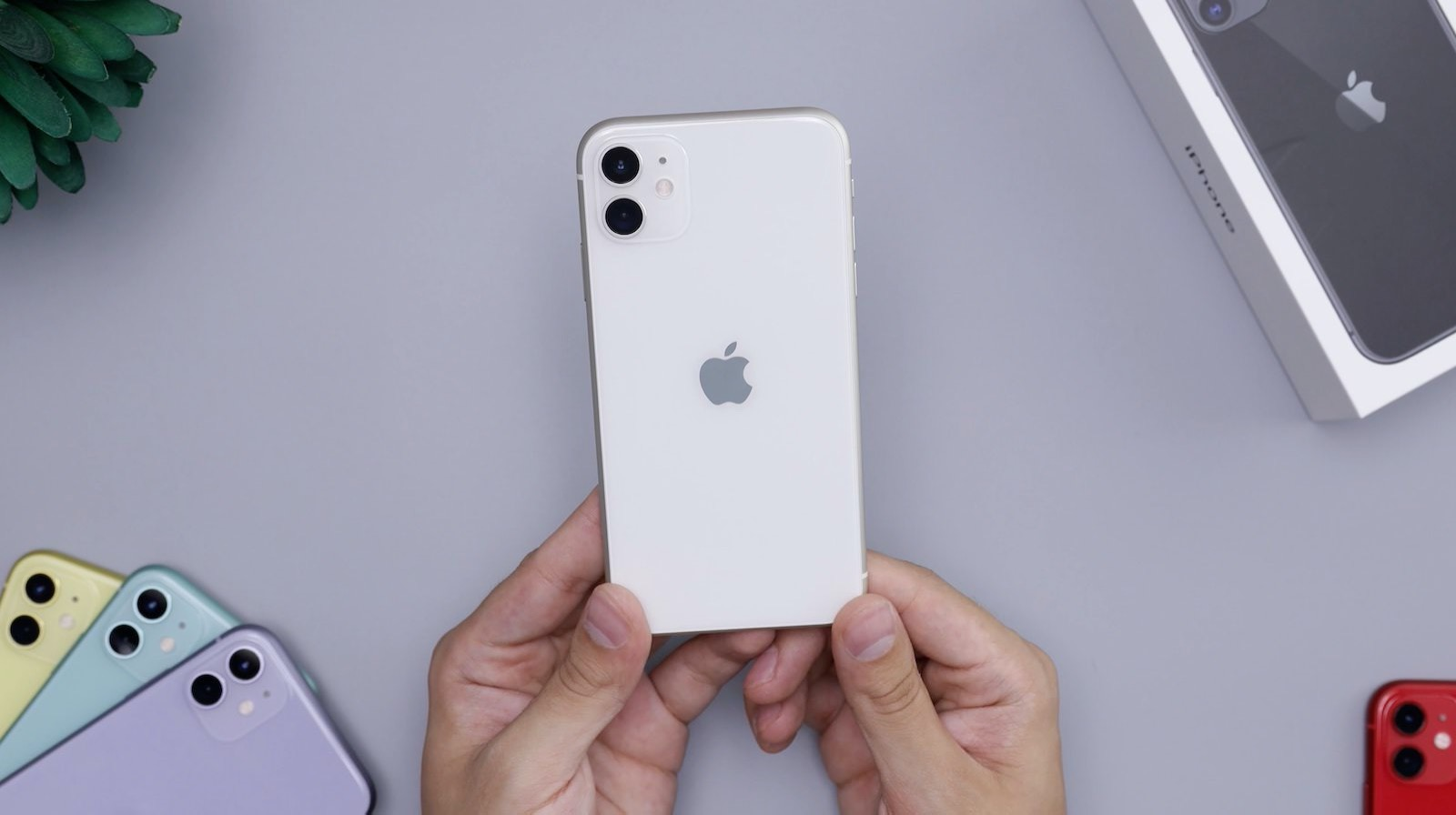 Daniel romero TK8 T5NHpwM unsplash iphone 11 white