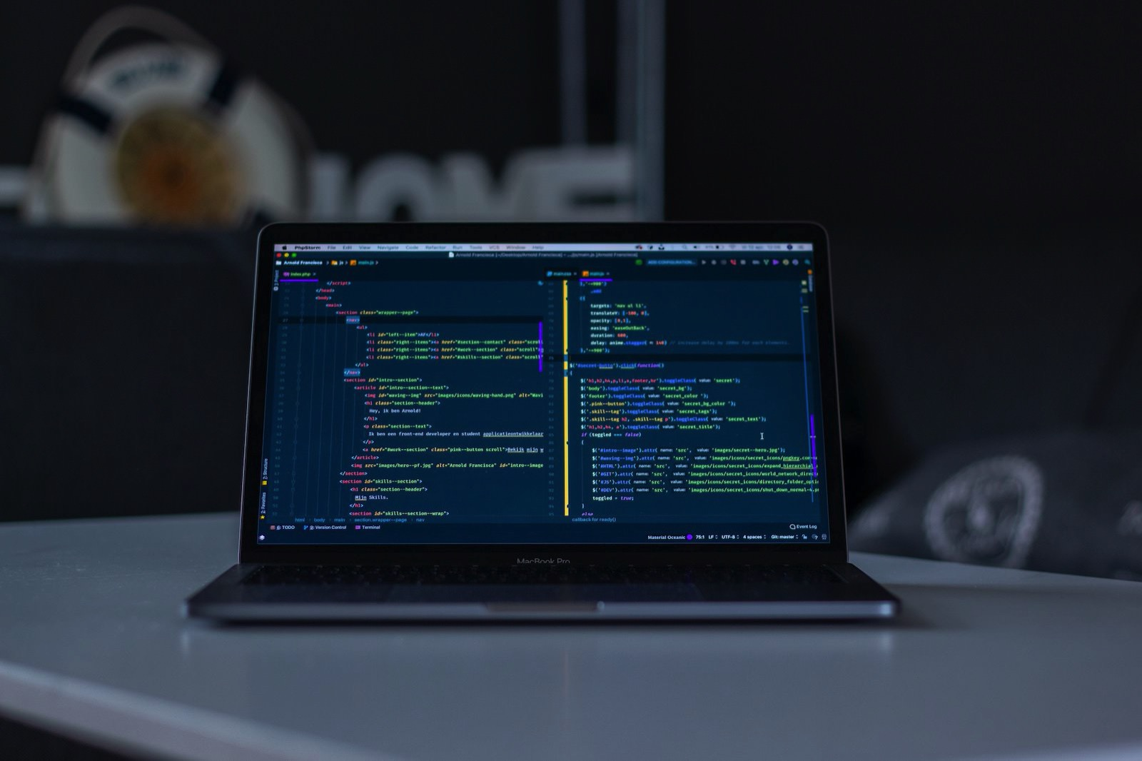 Arnold francisca FBNxmwEVpAc unsplash macbookpro code