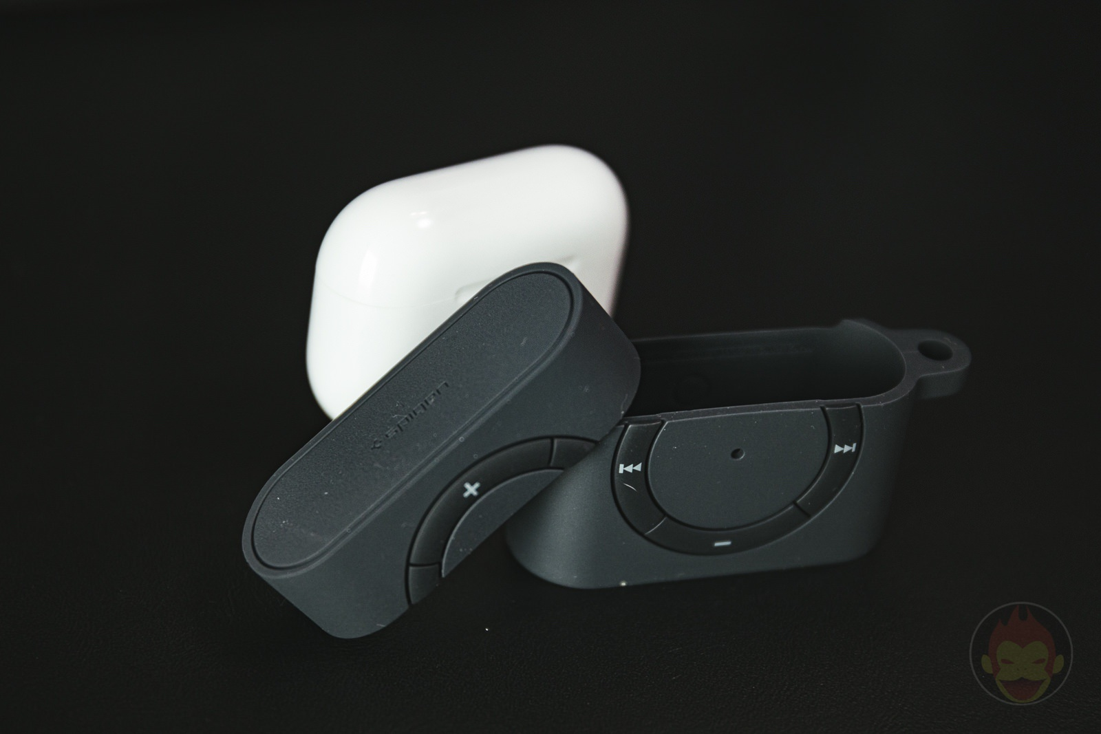 Classic Shuffle AirPods Pro Case Review 01