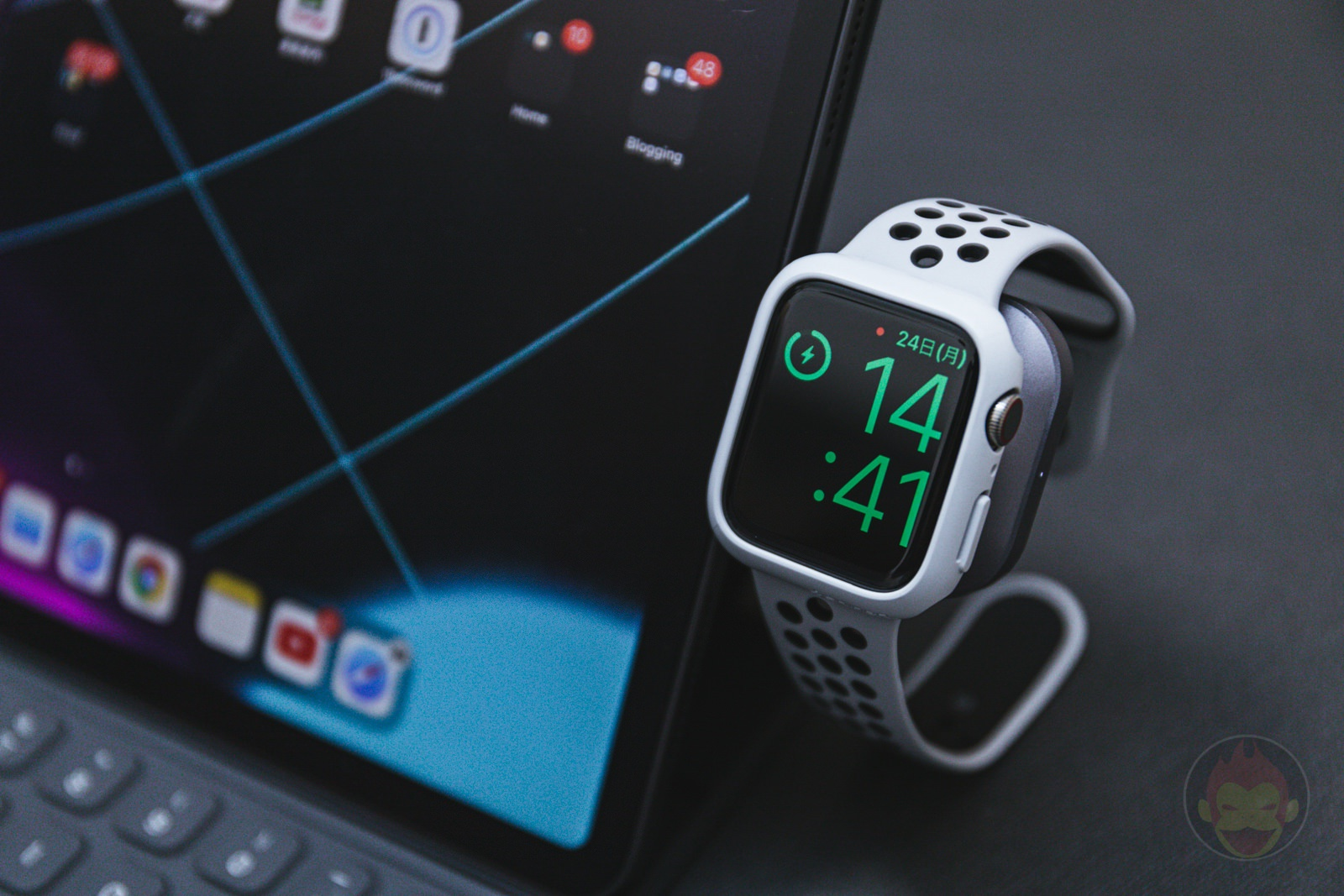 Satechi USB C Apple Watch Charging Dock 14