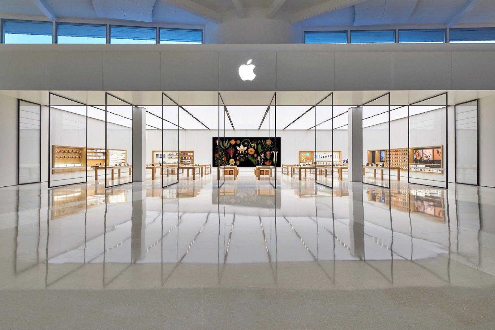 Apple Store Robina Australia
