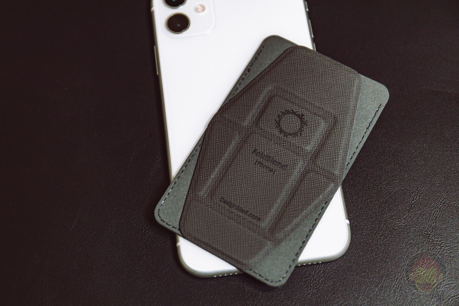 FoldStand Card Case Smartphone Stand Review 15