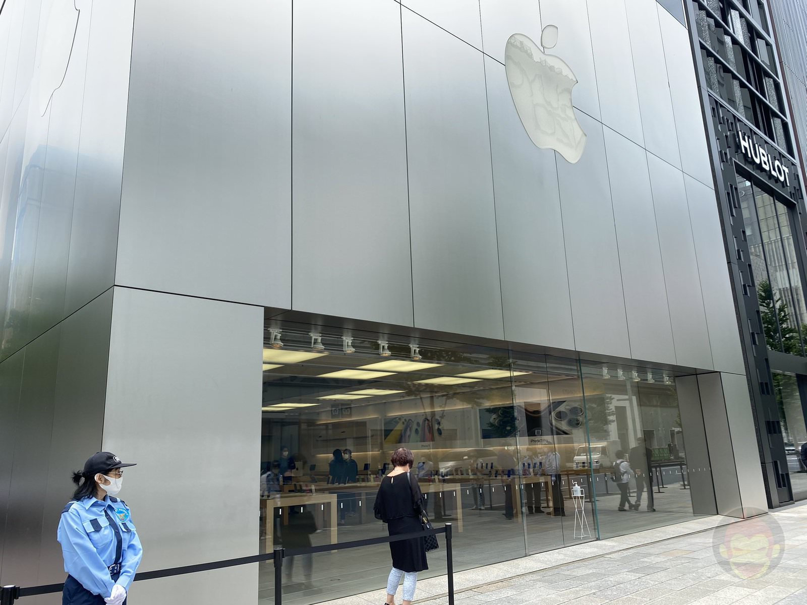 Apple Ginza on a Weekday After COVID19 01