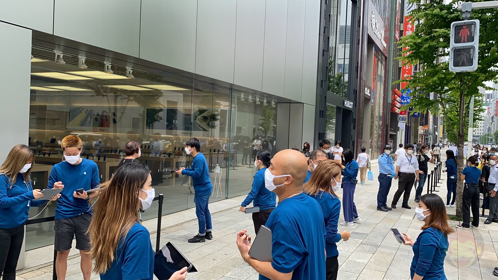 Apple Ginza on a Weekday After COVID19 04