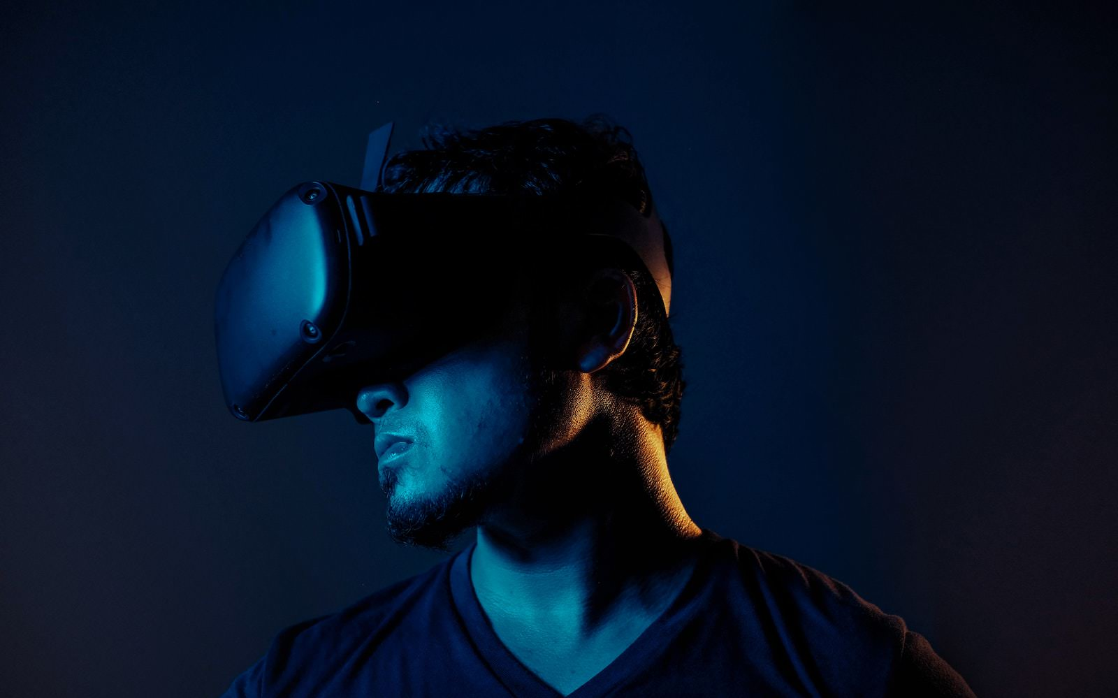 Man wearing Oculus Headset