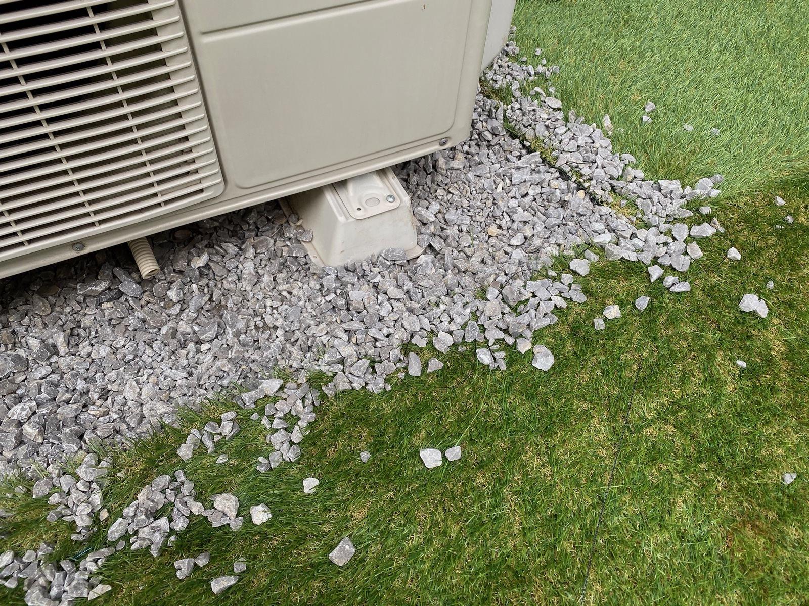 Artificial-lawn-in-backyard-review-16.jpeg
